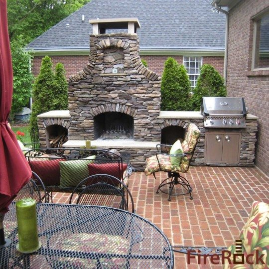 Brick Outdoor Kitchen: Outdoor Kitchens, Outdoor Fireplaces And Pizza Ovens