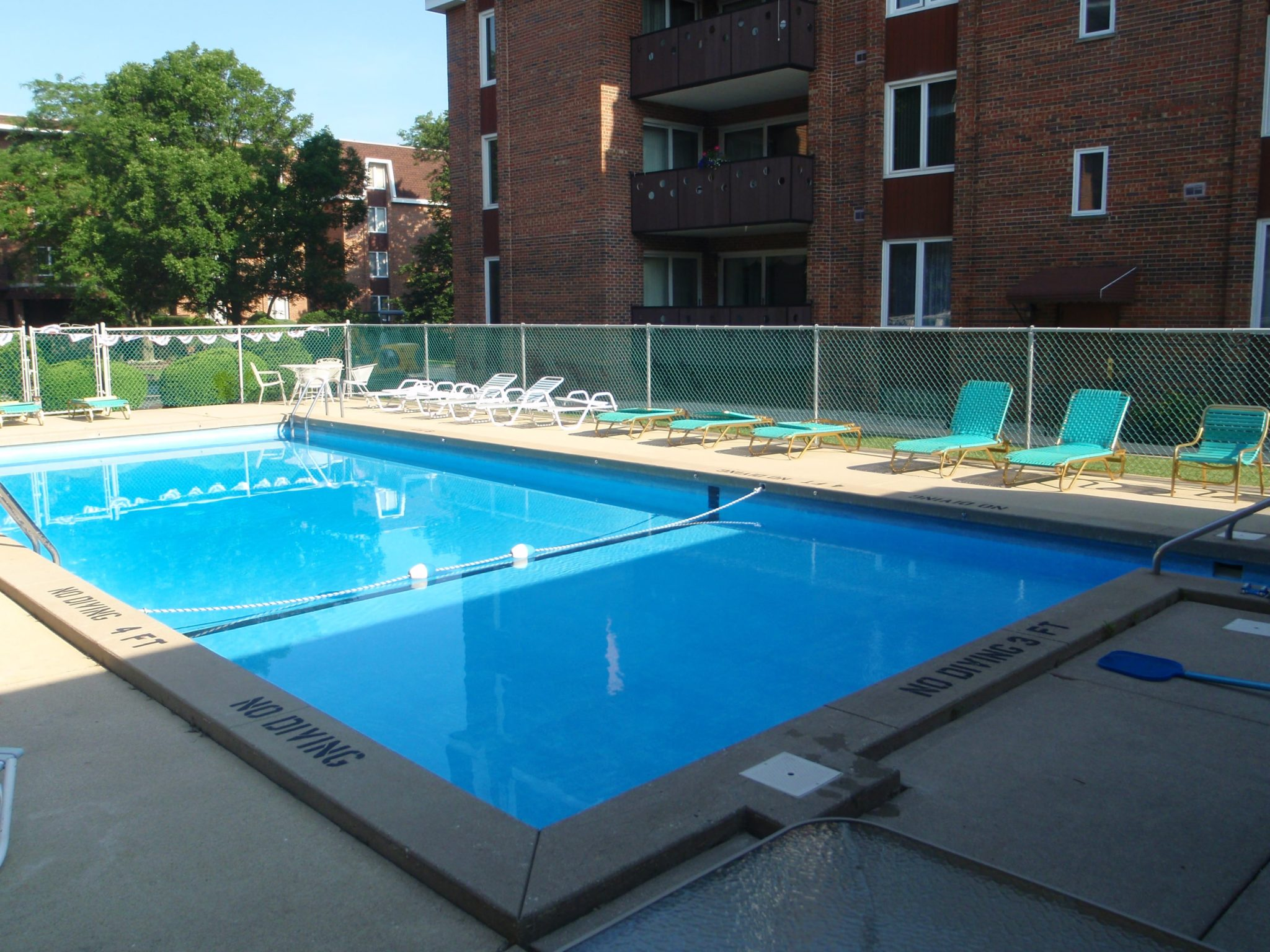 Fiberglass Pools Vs Gunite Pools Danna Pools Inc